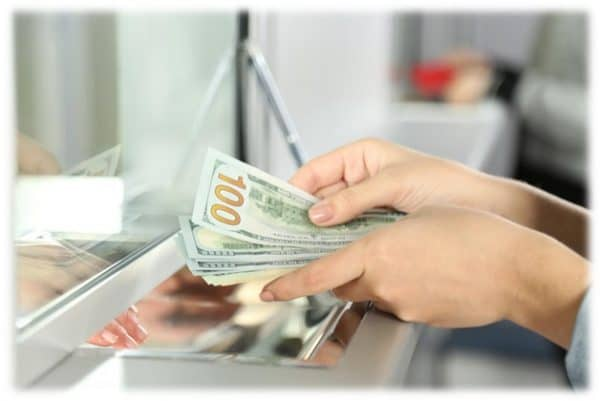 Как в Сбербанке произвести обмен валюты доллары на рубли?